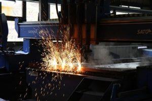 Brennschneiden für die Herstellung von Halberzeugnissen aus Metall