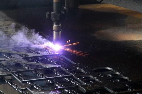 Modernste Technik beim Plasmaschneiden bis 50 mm Stärke