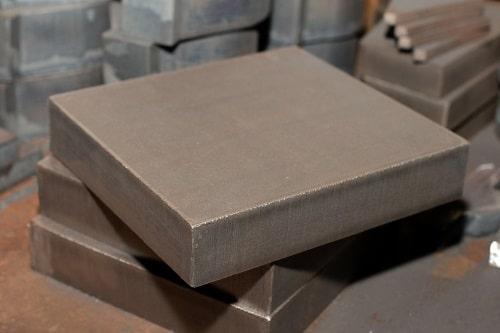 Quadratische Formschnitte mit Autogen- und Plasmaschneiden gefertigt