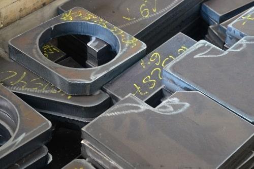 Brennteile in allen Formen bis 300 mm Stärke