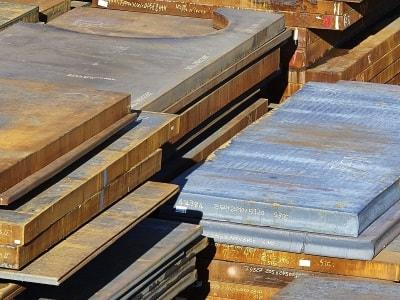 Stahllager mit allen Stahlsorten auf Vorrat